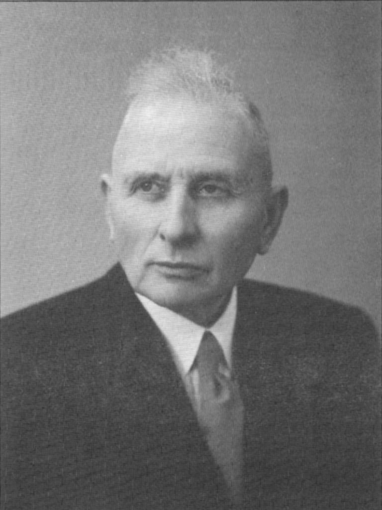 Ds. G.F. Snel, predikant Gereformeerde Kerk Nieuwveen * - 40989-768x1024